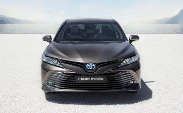01-Toyota-Camry-Hybrid-Paris-Motor-Show-2018