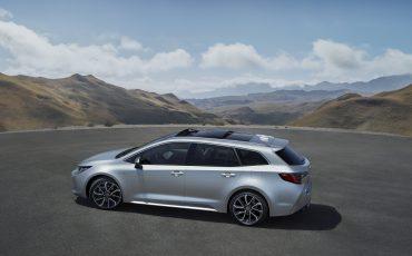 02-Stijlvolle-Toyota-Corolla-Touring-Sports-debuteert-op-Autosalon-van-Parijs