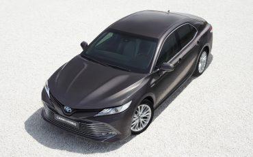 02-Toyota-Camry-Hybrid-Paris-Motor-Show-2018