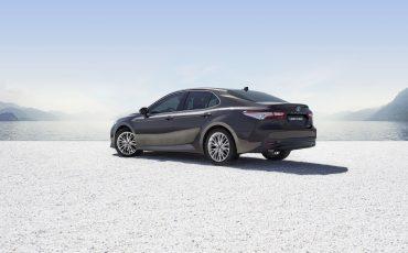 03-Toyota-Camry-Hybrid-Paris-Motor-Show-2018
