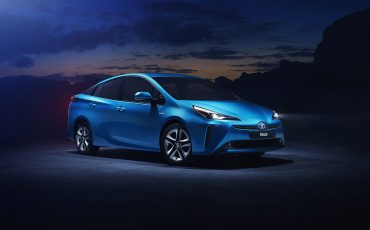 01-Vernieuwde-Toyota-Prius-op-Los-Angeles-Motor-Show