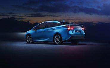 02-Vernieuwde-Toyota-Prius-op-Los-Angeles-Motor-Show