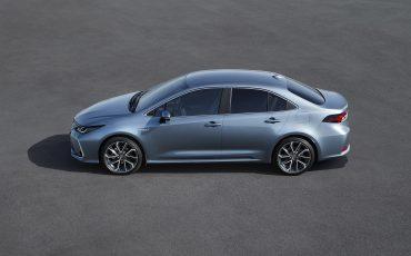 03-Toyota-Corolla-Familie-Compleet-Met-Sedan