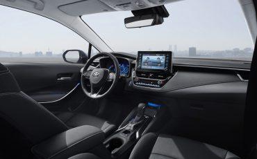 04-Toyota-Corolla-Familie-Compleet-Met-Sedan