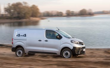 10-Toyota-PROACE-4x4-Worker-Cool-Comfort