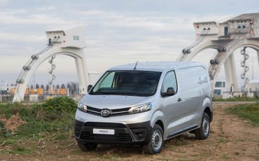 11-Toyota-PROACE-4x4-Worker-Cool-Comfort