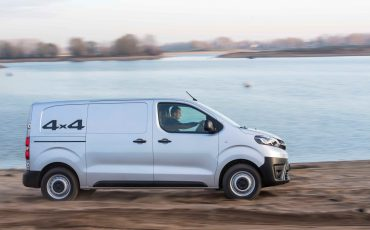 13-Toyota-PROACE-4x4-Worker-Cool-Comfort