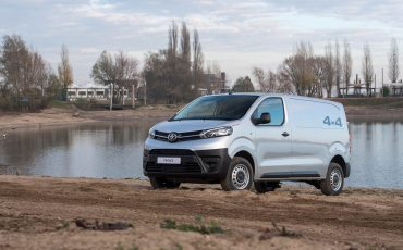 14-Toyota-PROACE-4x4-Worker-Cool-Comfort