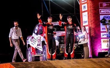 01-Genieten-voor-Bernhard-bij-feestelijke-start-Dakar-2019