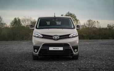 04-Toyota-PROACE-Grey-Platinum