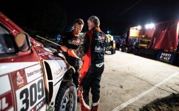 Teamspirit-houdt-Bernhard-ten-Brinke-in-Dakar-Rally-02