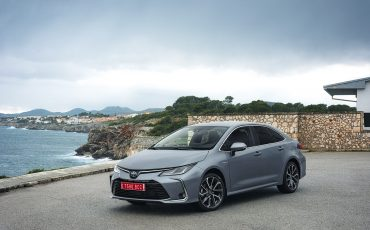 01-Toyota-Corolla-Sedan-1_8L_Grey