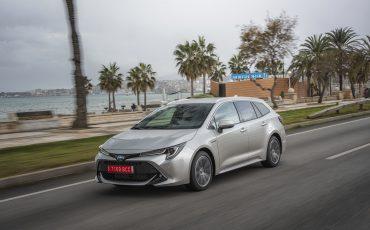 03-Toyota-Corolla-TS-1_8L_Platinum