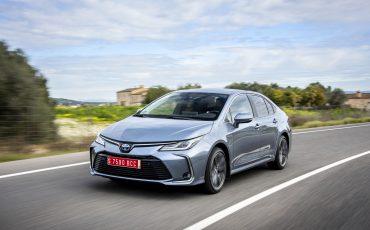 04-Toyota-Corolla-Sedan-1_8L_Grey
