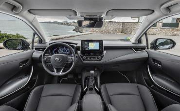 06-Toyota-Corolla-Sedan-1_8L_Grey