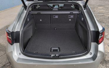 09-Toyota-Corolla-TS-1_8L_Platinum