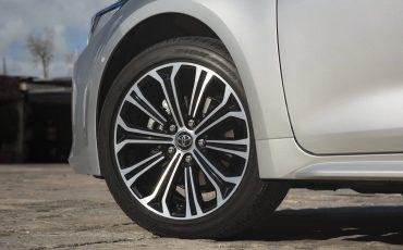 10-Toyota-Corolla-TS-1_8L_Platinum