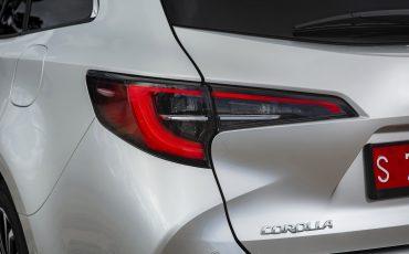 11-Toyota-Corolla-TS-1_8L_Platinum