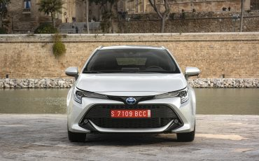 12-Toyota-Corolla-TS-1_8L_Platinum