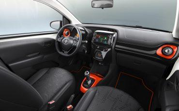 Toyota-AYGO-met-twee-speciale-edities-op-Autosalon-van-Geneve-Interior-x-style