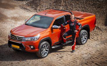 01-Toyota-Hilux-Challenger-voor-Dakar-coureur-Bernhard-ten-Brinke