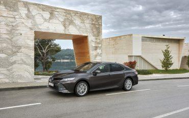 01_Toyota-introduceert-de-nieuwe-Camry-Hybrid
