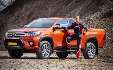 03-Toyota-Hilux-Challenger-voor-Dakar-coureur-Bernhard-ten-Brinke