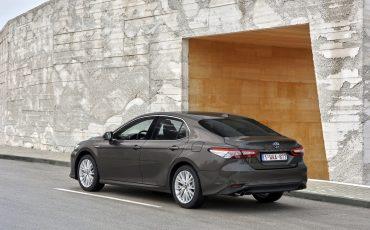 04_Toyota-introduceert-de-nieuwe-Camry-Hybrid