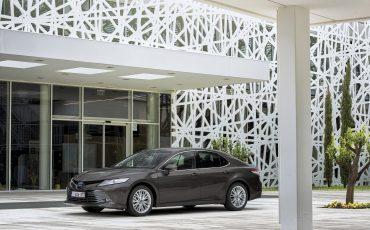 06_Toyota-introduceert-de-nieuwe-Camry-Hybrid