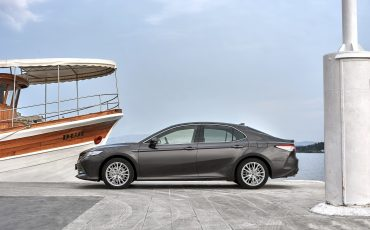09_Toyota-introduceert-de-nieuwe-Camry-Hybrid