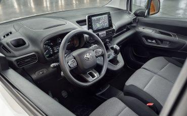 10_Toyota-met-nieuwe-PROACE-CITY-nu-ook-actief-in-segment-compacte-bestelwagen