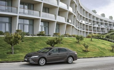 12_Toyota-introduceert-de-nieuwe-Camry-Hybrid