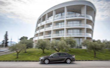 17_Toyota-introduceert-de-nieuwe-Camry-Hybrid