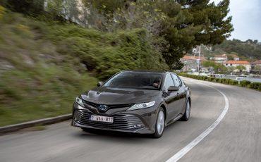 21_Toyota-introduceert-de-nieuwe-Camry-Hybrid