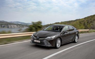 23_Toyota-introduceert-de-nieuwe-Camry-Hybrid