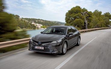 26_Toyota-introduceert-de-nieuwe-Camry-Hybrid