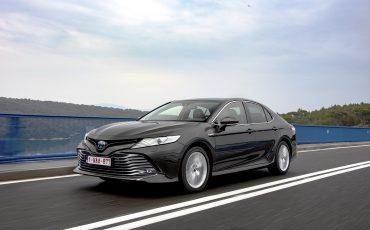 29_Toyota-introduceert-de-nieuwe-Camry-Hybrid