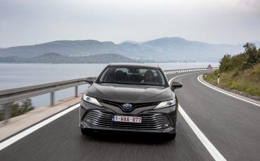 30_Toyota-introduceert-de-nieuwe-Camry-Hybrid