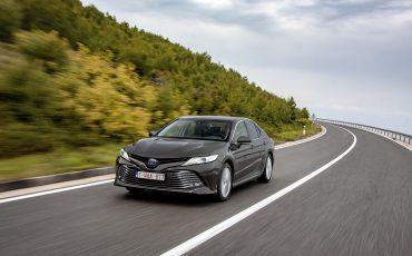 31_Toyota-introduceert-de-nieuwe-Camry-Hybrid