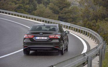 35_Toyota-introduceert-de-nieuwe-Camry-Hybrid
