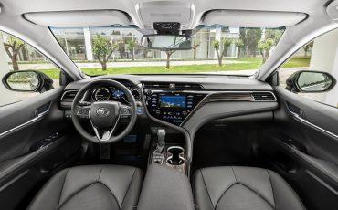 41_Toyota-introduceert-de-nieuwe-Camry-Hybrid