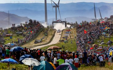 03_Toyota-GAZOO-Racing-pakt-overwinning-Rally-van-Portugal