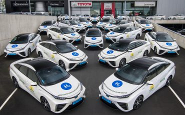 Eerste Nederlandse waterstof taxivloot met 35 Toyota's Mirai