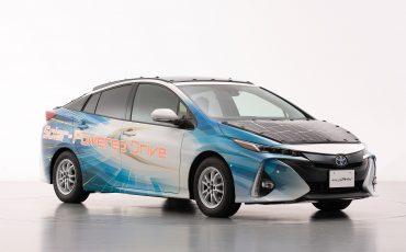 07-Toyota-test-deels-op-zonne-energie-rijdende-Prius
