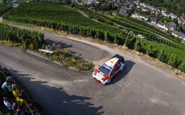 Toyota-GAZOO-Racing-pakt-1-2-3-overwinning-in-Rally-van-Duitsland-6