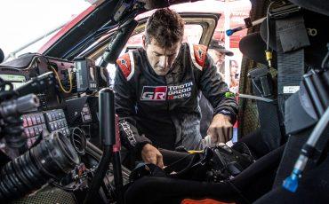 06-Fernando-Alonso-en-Marc-Coma-trotseren-uitdagende-zware-rallyproef