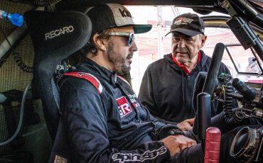 09-Fernando-Alonso-en-Marc-Coma-trotseren-uitdagende-zware-rallyproef
