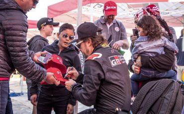 14-Fernando-Alonso-en-Marc-Coma-trotseren-uitdagende-zware-rallyproef