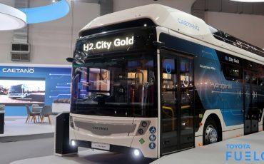 02-Toyota-en-CaetanoBus-SA-onthullen-stadsbus-met-Toyota-H2-techniek