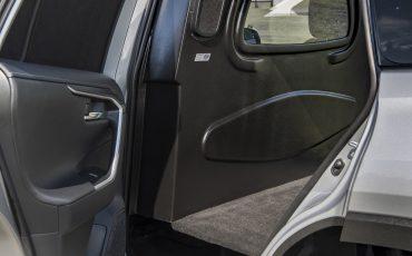 06-Eerste-hybride-bedrijfswagen-van-Toyota-de-RAV4-Van